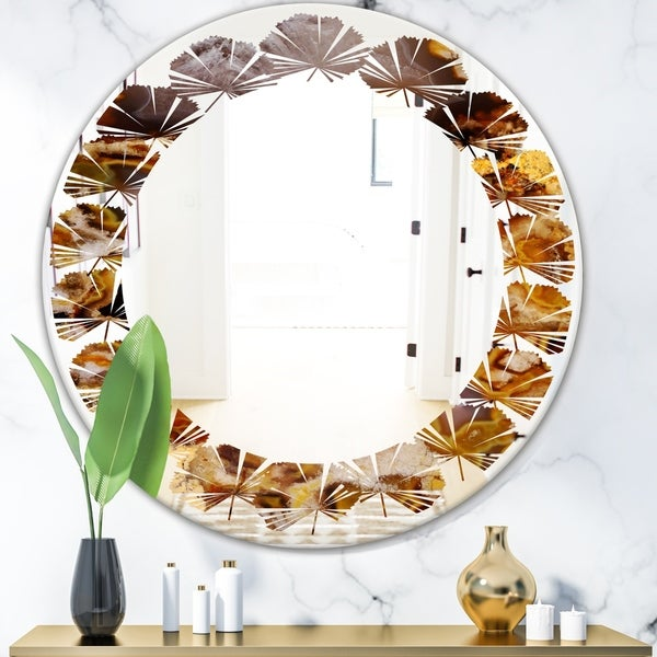 Designart 'Sand Close Up' Modern Round or Oval Wall Mirror - Leaves