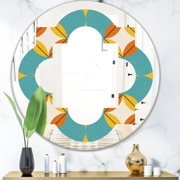 Designart 'Diamond Retro IV' Cottage Round or Oval Wall Mirror - Quatrefoil