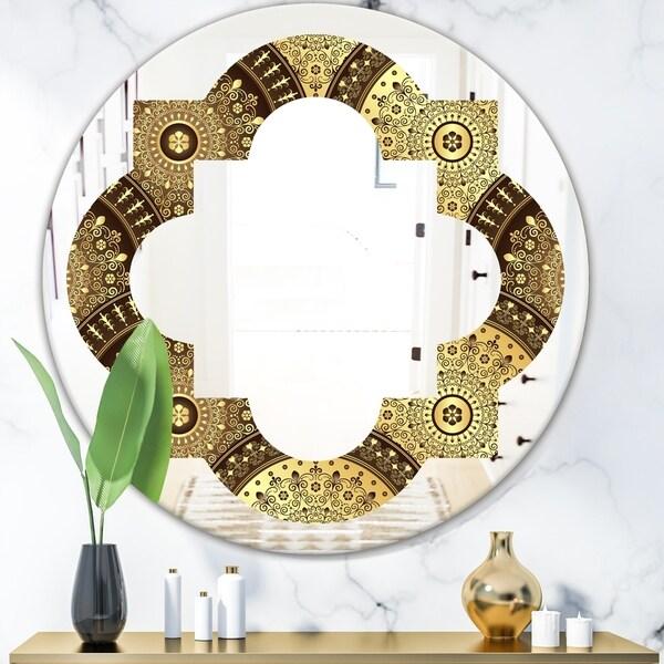 Designart 'Golden Circular Pattern I' Modern Round or Oval Wall Mirror - Quatrefoil