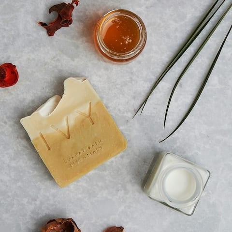 IVY Handmade Goatmilk - Honey Soap