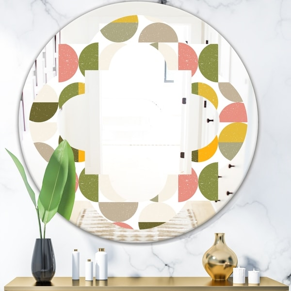 Designart 'Vintage Circular Design I' Modern Round or Oval Wall Mirror - Quatrefoil