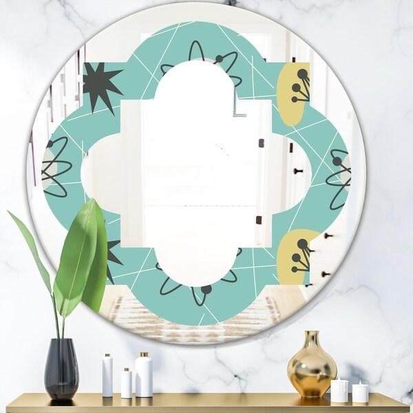 Designart '1950 Retro Pattern I' Modern Round or Oval Wall Mirror - Quatrefoil