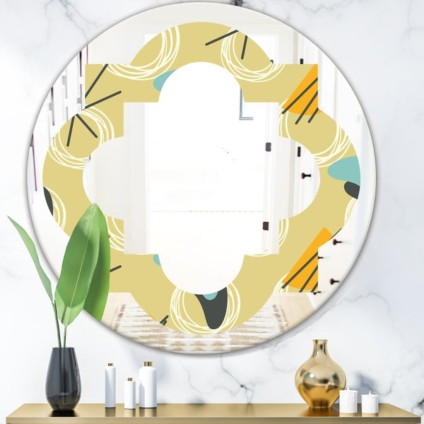 Designart 'Retro Abstract Design II' Modern Round or Oval Wall Mirror - Quatrefoil