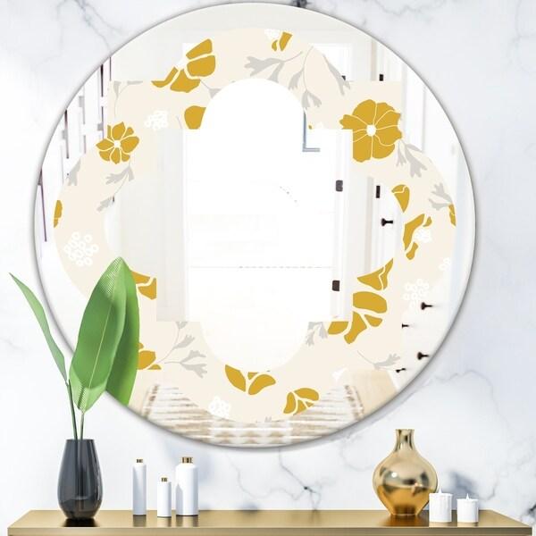 Designart 'Retro Handdrawn Poppies III' Cottage Round or Oval Wall Mirror - Quatrefoil