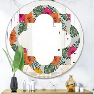 Designart 'Retro tropical Leaves III' Cottage Round or Oval Wall Mirror - Quatrefoil