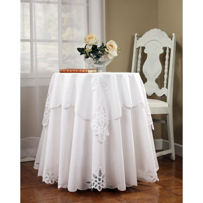 Beau Battenburg 70 Inch Round Tablecloth And Topper Set