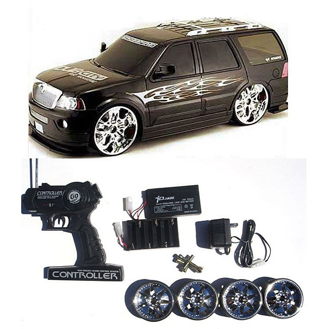 Customized Lincoln Navigator 1:12 Black RC Car