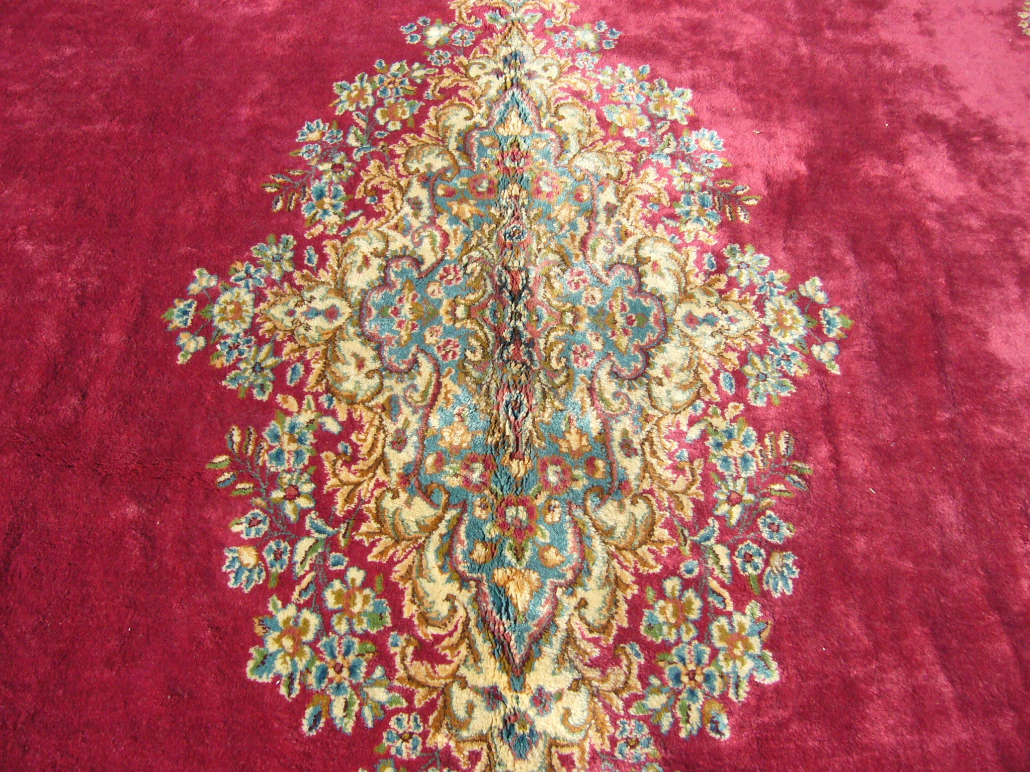 Persian Kirman Hand-knotted Red/ Ivory Rug (12' x 20')