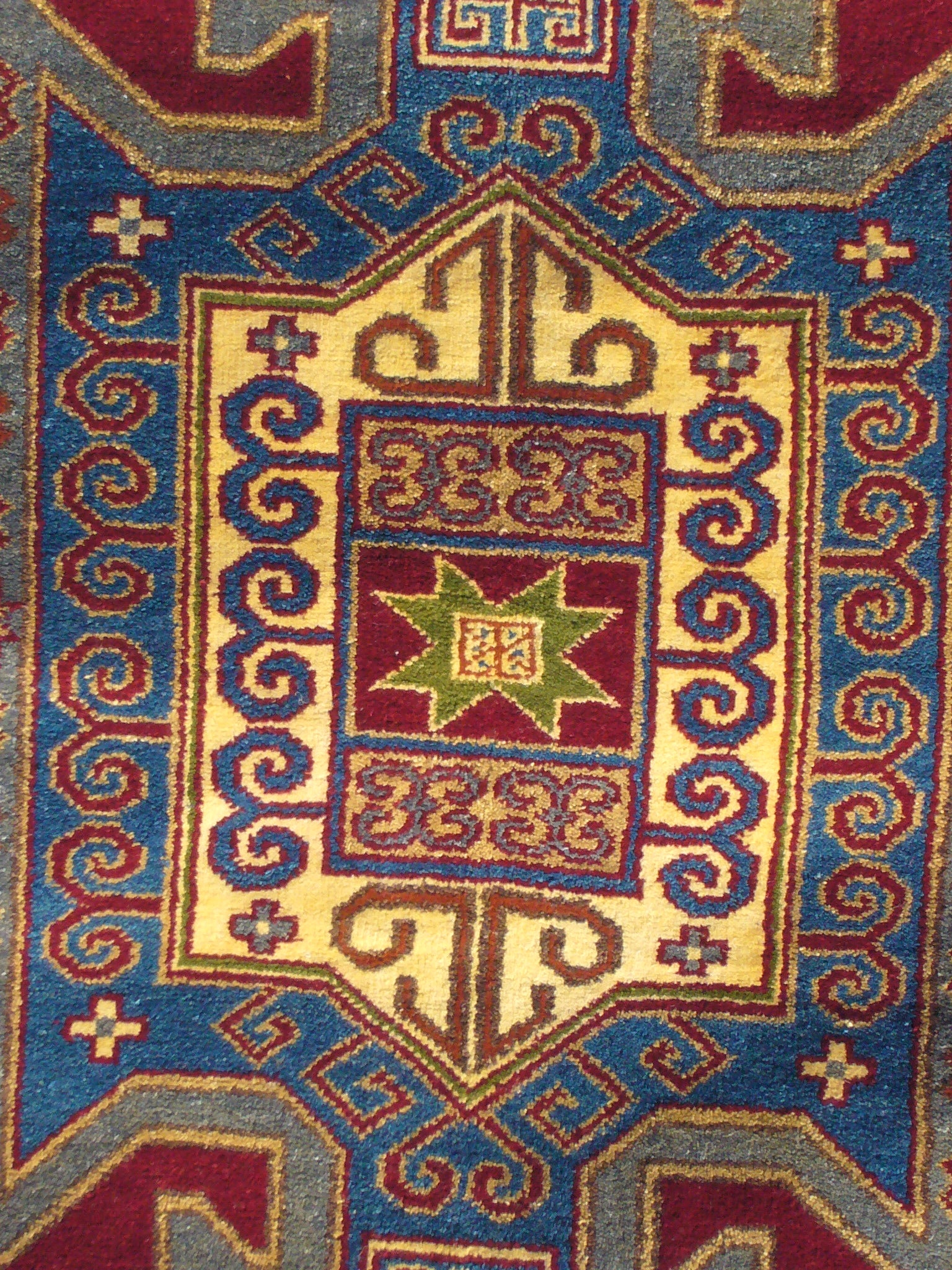 Indo Kazak Hand-knotted Red/Gold Rug (5' x 7') - Thumbnail 1