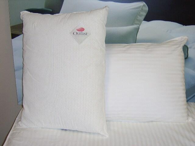 Outlast Cooling Pillow Pair - Thumbnail 1