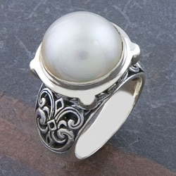 Sterling Silver Freshwater Pearl 'Motif' Ring (11 mm) (Indonesia)