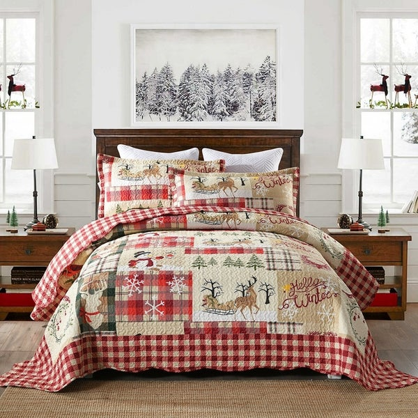 Plaid Patchwork Christmas Quilt Bedspread Set. Opens flyout.