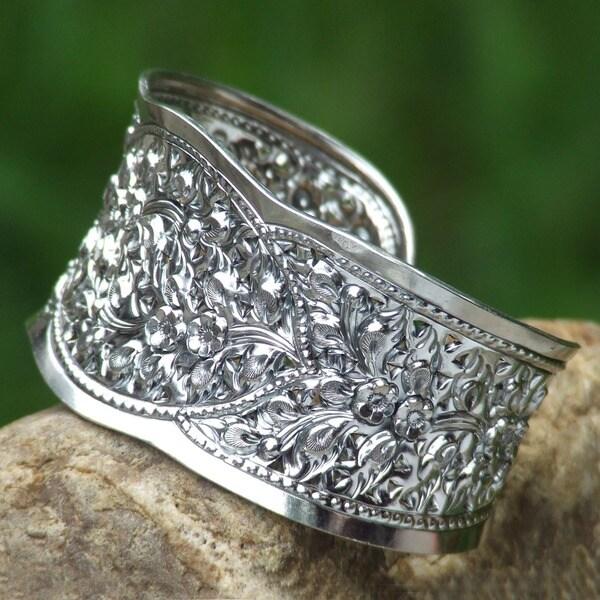 Frangipani Princess Traditional Handmade Floral Repousse 925 Sterling Silver Elegant Womens Cuff Bracelet (Thailand)