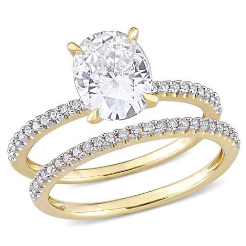Moissanite by Miadora 14k Yellow Gold 2ct TGW Oval-Cut Moissanite and 1/4ct TDW Diamond Bridal Set