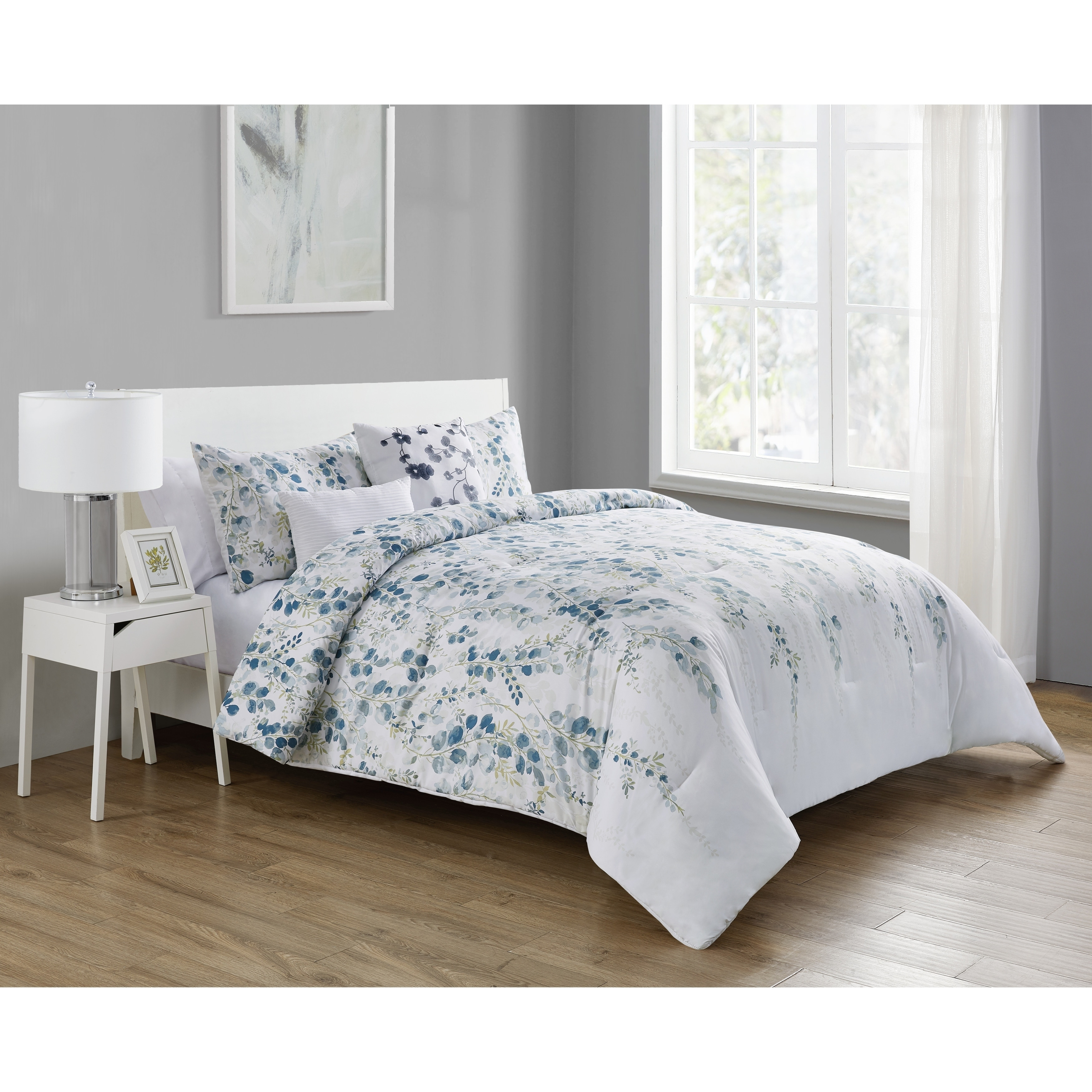 Porch Den Tracy Ann Blue And White Floral Comforter Set Overstock 30217878
