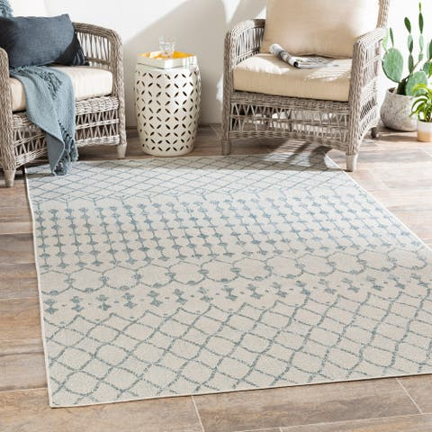 Grady Indoor / Outdoor Boho Geometric Area Rug