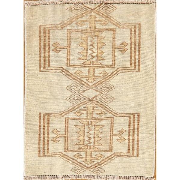 Shop Geometric Oriental Bakhtiari Persian Area Rug Handmade