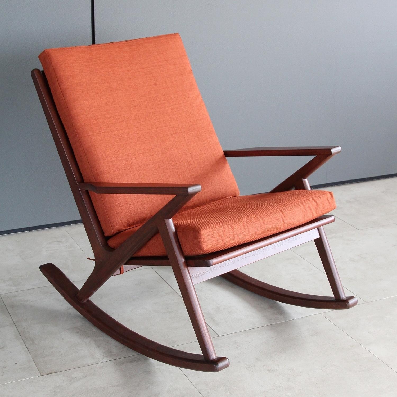 Carson Carrington Ladumyrasen Mid Century Modern Rocking Chair Overstock 30432126