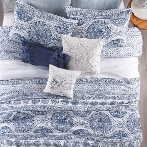 The Curated Nomad Fala Medallion 3-piece Cotton Comforter Set