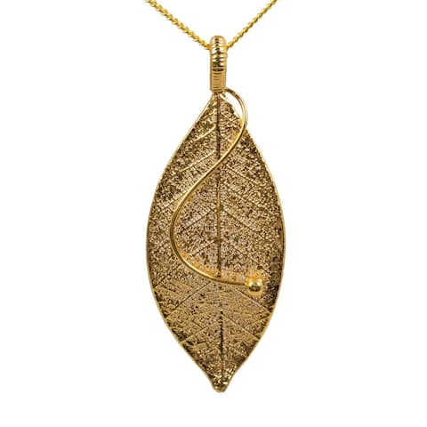 Handmade Natural Leaf Gold-plated 'Forest Solo' Necklace (Thailand)