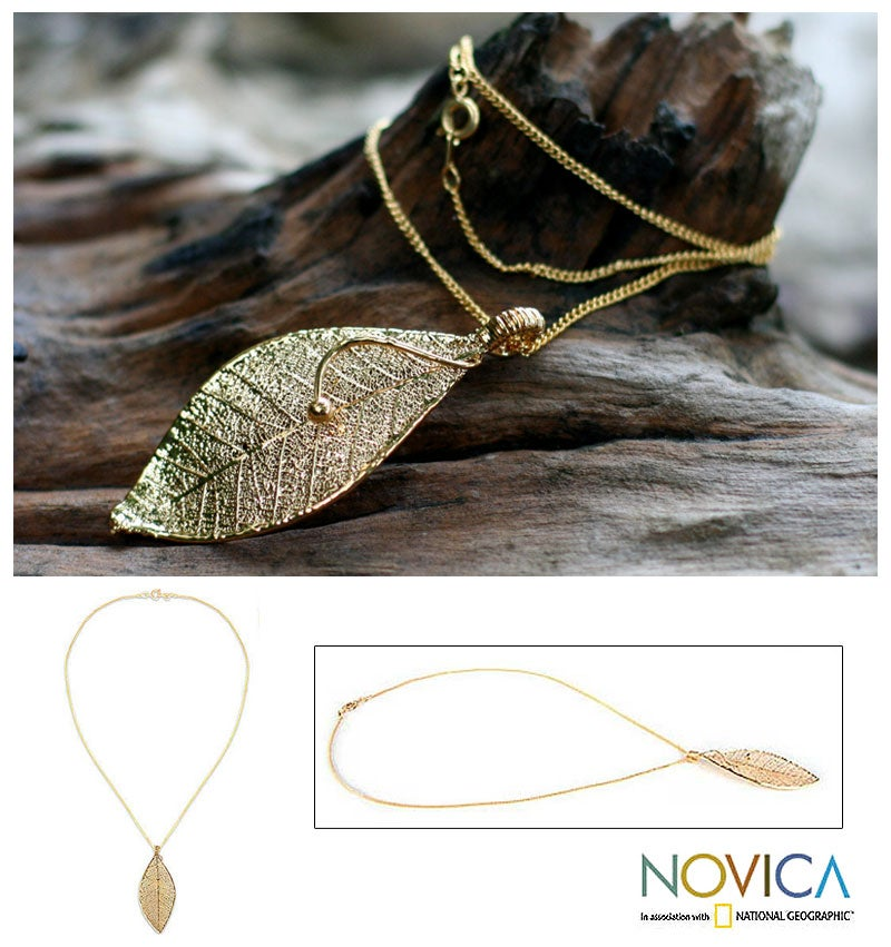 Handmade Natural Leaf Goldplated 'Forest Solo' Necklace (Thailand)