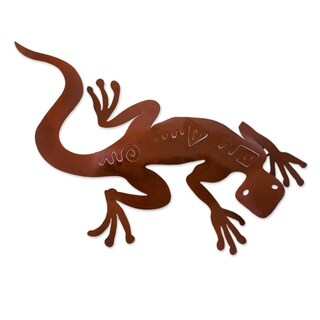 Spying Gecko Indoor Outdoor Patio Decorator Accent Rustic Brown Iron Cutout Lizard Animal Metal Wall (Mexico)