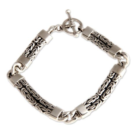 Hand in Hand Modern Naga Chain Sections Forming Square with Toggle Clasp in 925 Sterling Silver Womens Bracelet (Indonesia)
