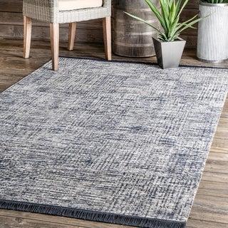 nuLOOM Simple Striated Fringed Indoor/Outdoor Area Rug