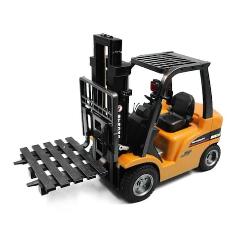 Remote control fork lift