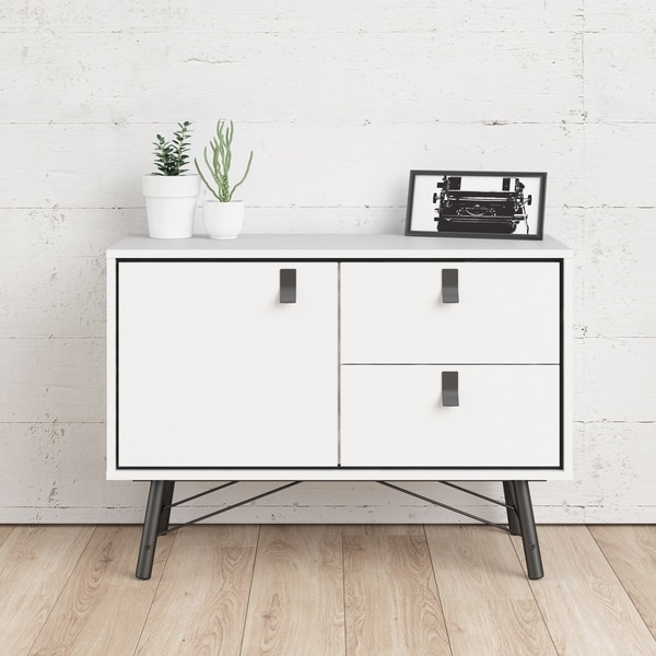 Carson Carrington Ry 1-door and 2-drawer Sideboard. Opens flyout.