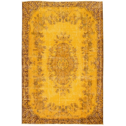 """Hand-knotted Color Transition Gold Wool Rug - 6'5"""" x 9'6"""""""