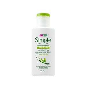 Simple Kind to Skin Protecting Light Moisturizer, Protects and Hydrates, SPF 15, 125 ml (4.2 Oz)