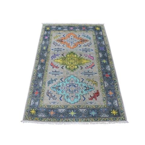 "Shahbanu Rugs Colorful Gray Fusion Kazak Pure Wool Geometric Design Hand Knotted Oriental Rug (3'3"" x 4'10"") - 3'3"" x 4'10"""