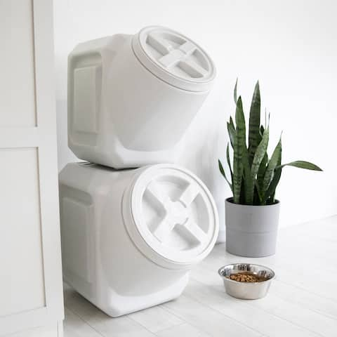 Vittles Vault Outback Stackable Pet Food Storage Container