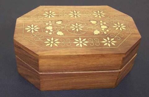 Handmade Bulwark Box (India)