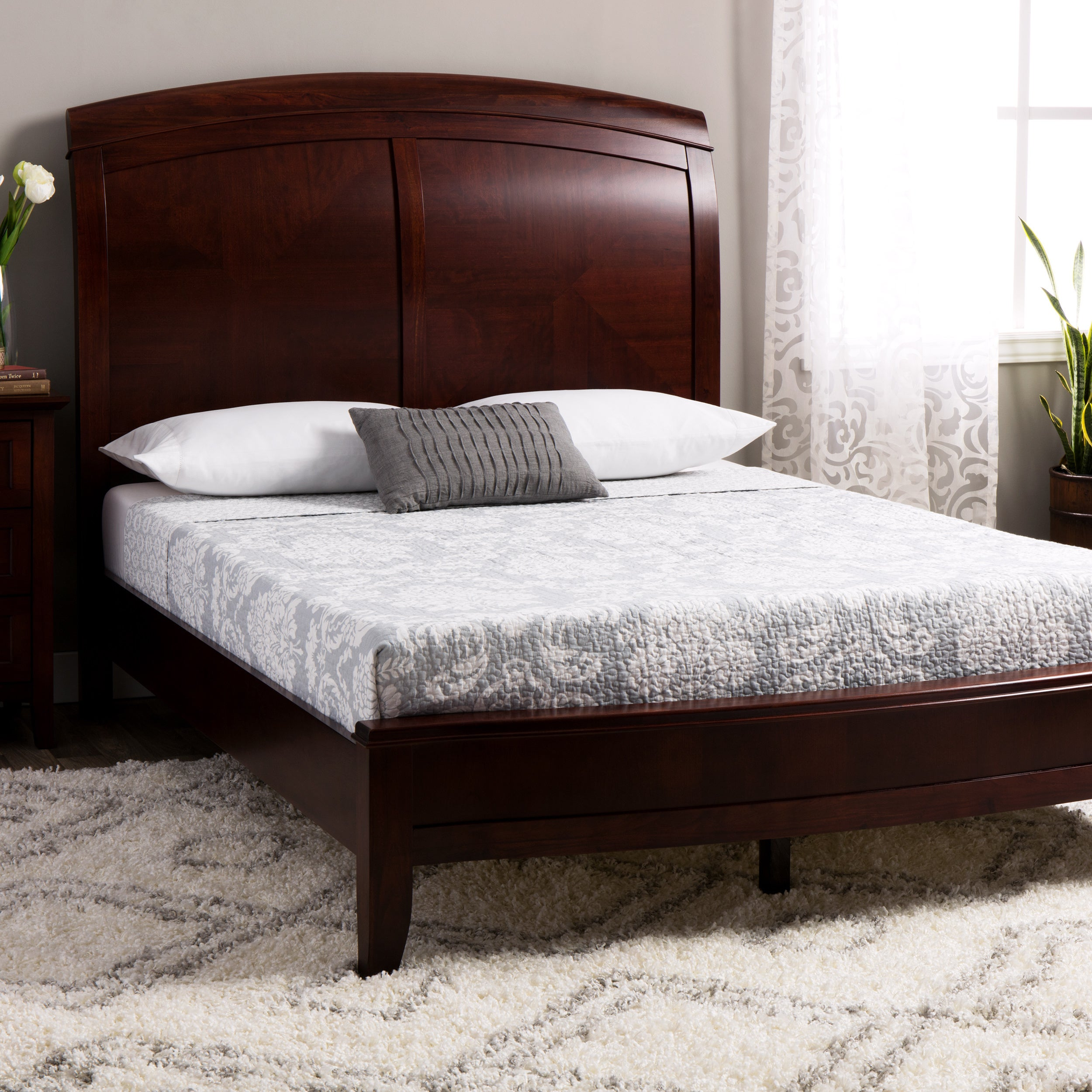 Picture of: Split Panel Queen Size Wooden Sleigh Bed Overstock 3140683