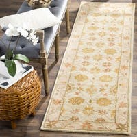 Safavieh Handmade Antiquities Kashan Ivory/ Beige Wool Runner Rug - 2'3 x 8'