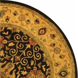 Safavieh Handmade Antiquities Mashad Black/ Ivory Wool Rug (6' Round) - Thumbnail 2