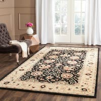 Safavieh Handmade Antiquities Mashad Black/ Ivory Wool Rug - 6' x 9'
