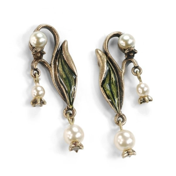 Sweet Romance 'Lily of the Valley' Art Nouveau Pearl Flower Dangle Earrings