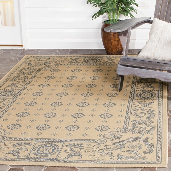 Safavieh Beaches Natural/ Blue Indoor/ Outdoor Rug - 6'7 x 9'6
