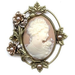 Sweet Romance Victorian Vintage Wedding Flower Cameo Pin Brooch
