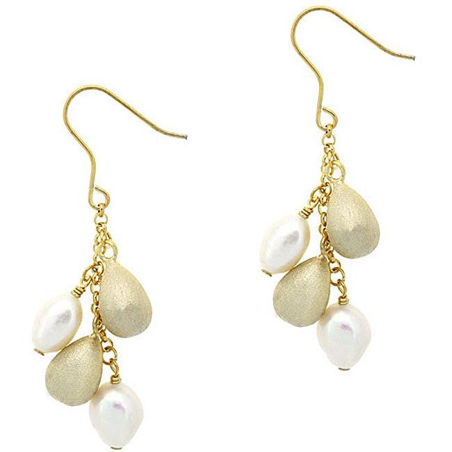 Glitzy Rocks Sterling Silver 18k Gold FW Pearl Earrings (9 mm)