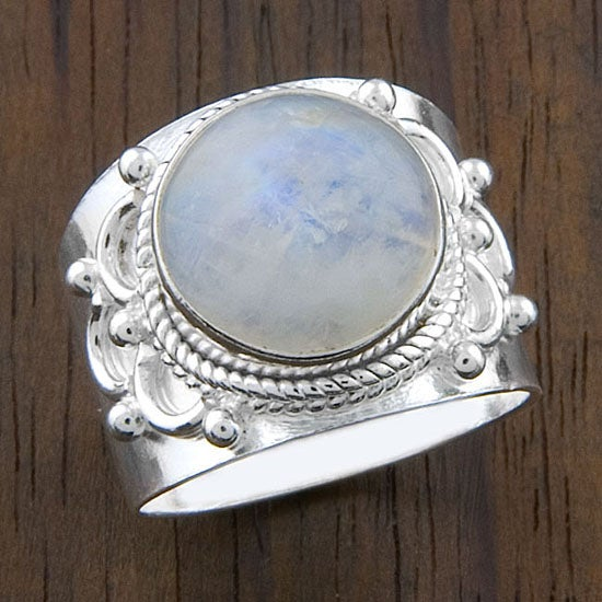 Sterling Silver 'Crafted Edge' Moonstone Ring (India)