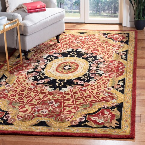 Safavieh Handmade Classic Traditional Burgundy / Black Wool Rug - 5' x 8'