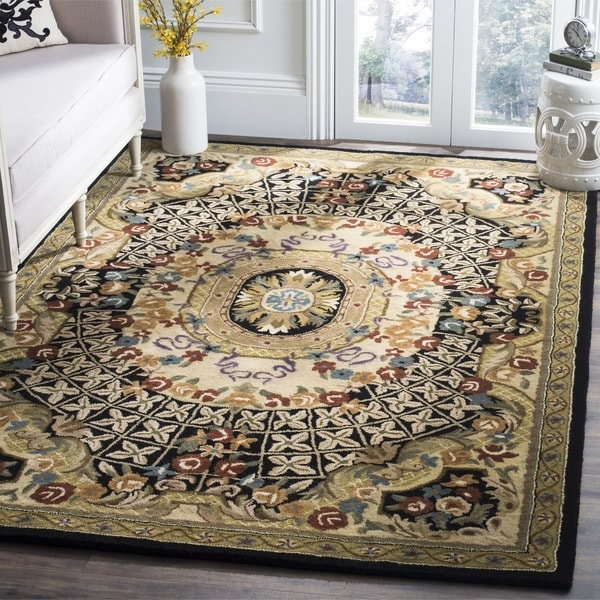 Safavieh Handmade Classic Empire Black/ Gold Wool Rug - 6' x 9'