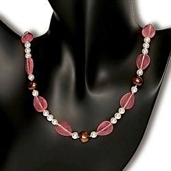 Miadora New York Pearls Cherry Quartz Glass and FW Pearl Necklace (6-11 mm)