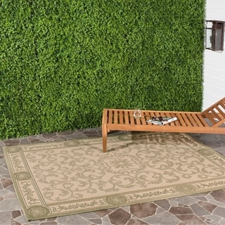 Safavieh Beaches Scrollwork Natural/ Olive Green Indoor/ Outdoor Rug (4' x 5'7)