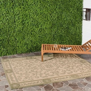 Safavieh Beaches Scrollwork Natural/ Olive Green Indoor/ Outdoor Rug (5'3 x 7'7)