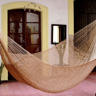 Glowing Copper Outdoor Beach Garden Patio Pool Shimmering Unique Brown Handmade Knotted Rope Style Nylon Double Hammock (Mexico)